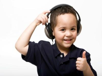 boy-listening-headphones