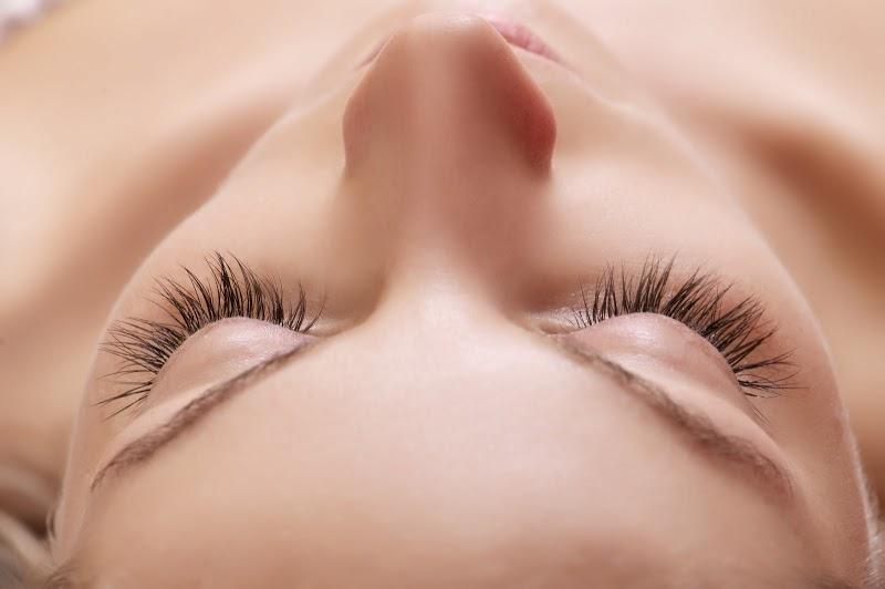 Beautiful-natural-lashes