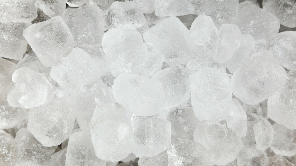 ice pack helps to sooth swelling and inflamation caused due to headache
