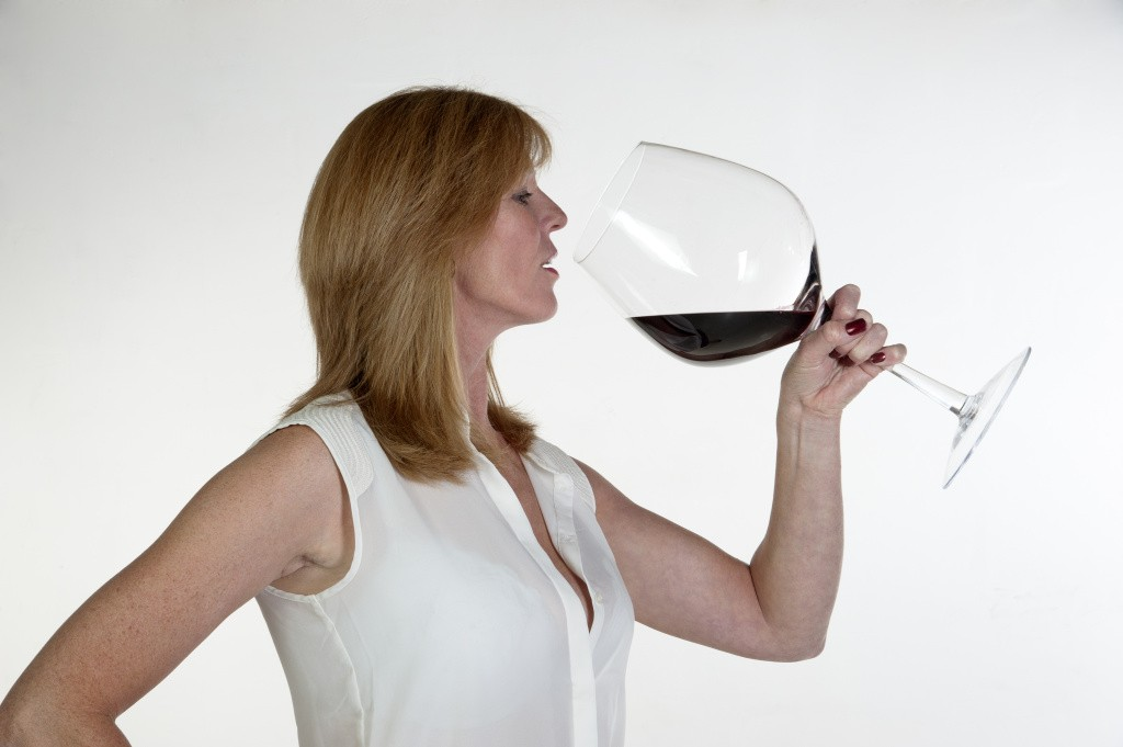 Red wine helps to lose weight
